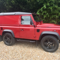 Land Rover Defender 90 XS